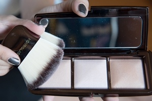 [Cosme*Review] ไฮไลท์ 3 หลุม HOURGLASS Ambient Lighting Palette